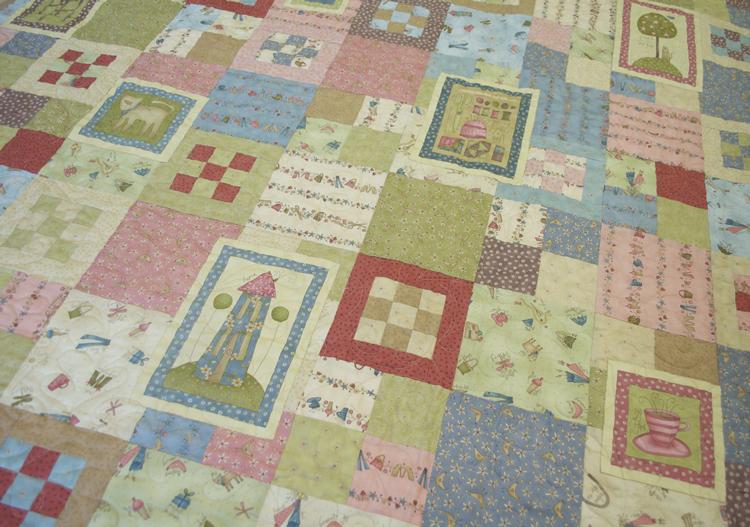 2011-7-favourite things free pattern photo
